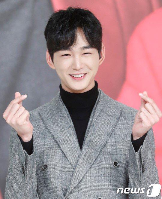 Lee Won Geun tích cực xem xét vai diễn trong One the Woman.