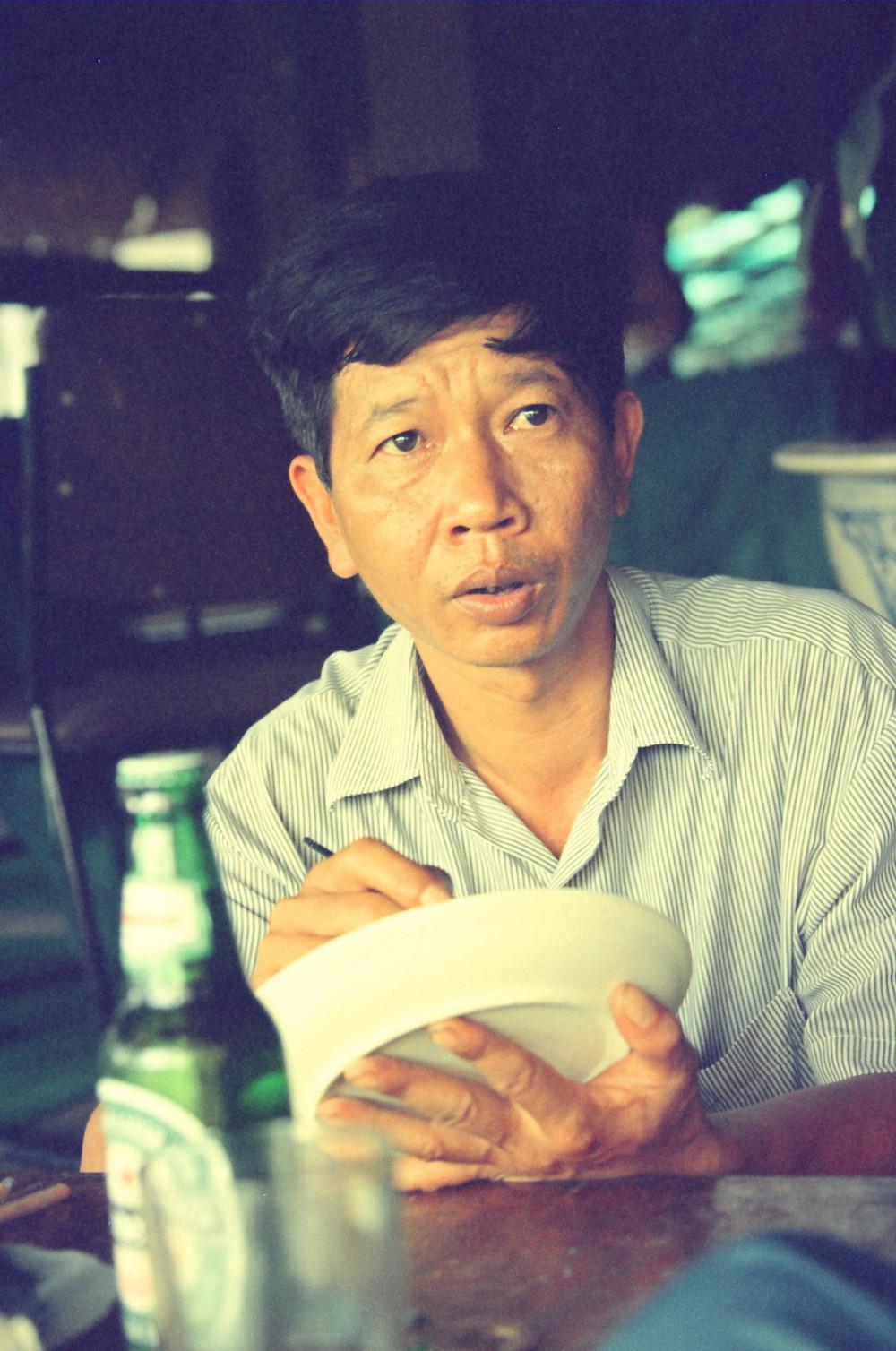 Nhà văn Nguyễn Huy Thiệp (ảnh chụp năm 1997) - Ảnh: Nguyễn Đình Toán