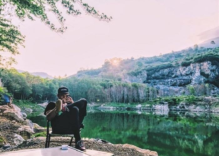 Hồ đá Ma Thiên Lãnh đẹp, thanh bình.