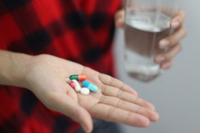 Bệnh nhân nữ nguy kịch sau khi uống 50 viên thuốc điều trị trầm cảm