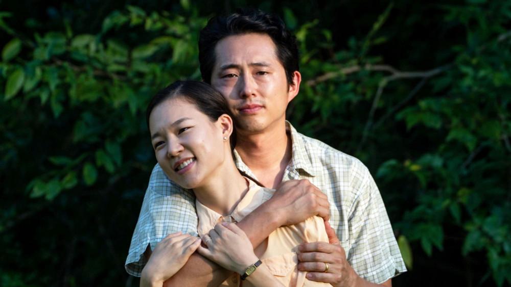 Tình yêu và sự gắn kết gia đình là điều có thể cảm nhận rõ nhất từ câu chuyện của gia đình nhập cư ở Minari