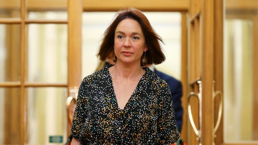 Nghị sĩ Công đảng Ginny Andersen trình đề xuất về chế độ nghỉ có lương cho những người lao động bị sẩy thai. Đề xuất này đã được Quốc hội New Zealand nhất trí thông qua hôm 24/3 - Ảnh: CNN