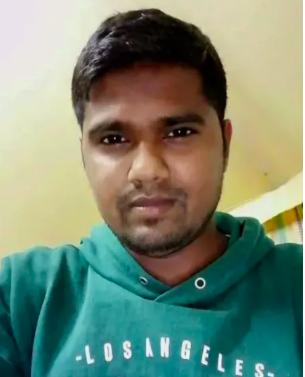 Mohammad Shahid Miah, 29 tuổi, đến từ Bangladesh, đã tử vong khi nước lũ trong phòng anh tiếp xúc với dây cáp điện bị hở, khiến anh bị điện giật.