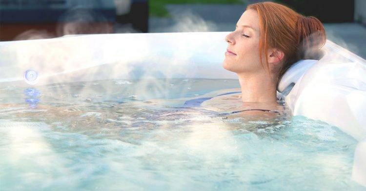Không tắm nước nóng: trong thời gian đầu sau triệt lông bạn cũng không nên tắm bằng nước nóng, không xông hơi, không sử dụng chất kích thức hay mặc quần áo chật hoặc bó sát… sẽ khiến da dễ bị tổn thương.