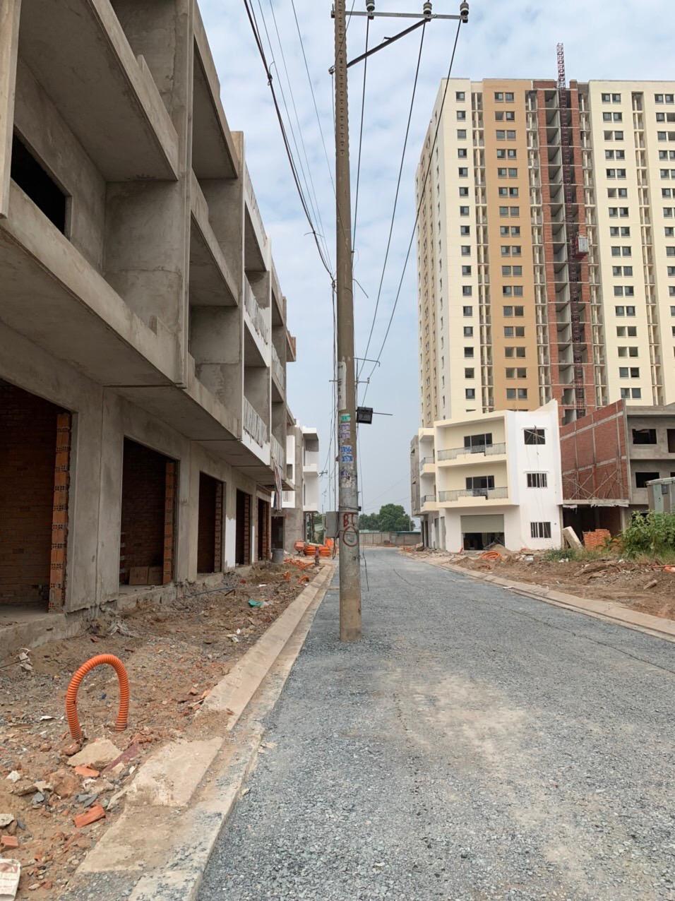 Chủ đầu tư dự án Vĩnh Lộc Dgold hứa hỗ trợ tiền lãi suất vay ngân hàng cho khách hàng vì dự án chậm bàn giao