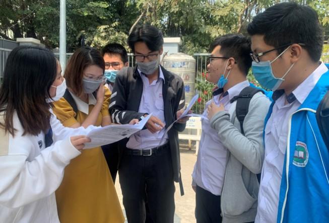 Học sinh dự thi kỳ thi học sinh giỏi TPHCM   Ảnh: plo.vn