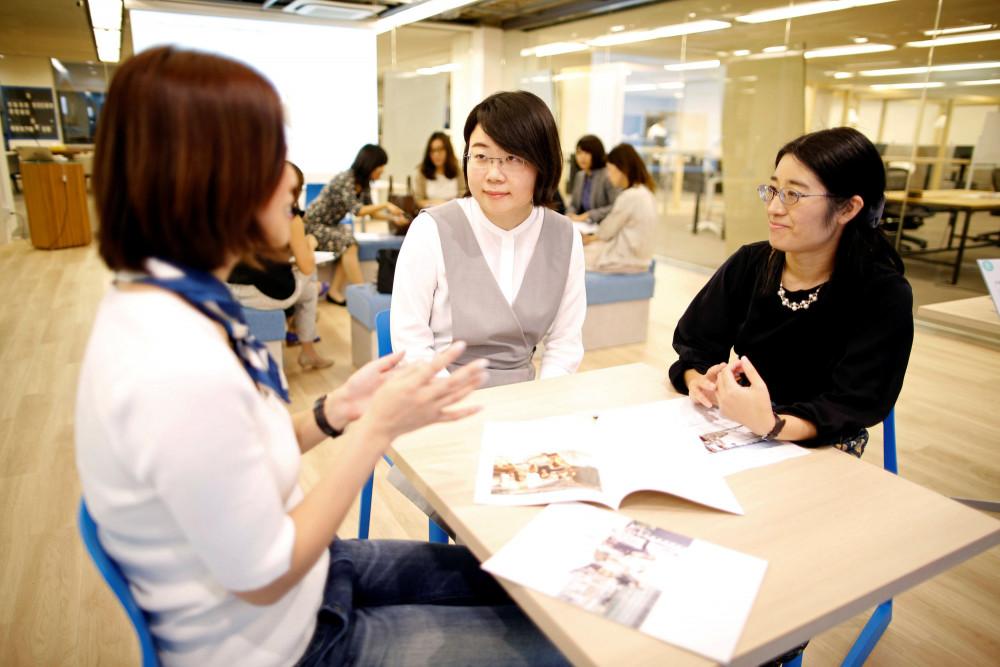 phụ nữ Nhật vẫn còn xuất hiện khá khiêm tốn trong lĩnh vực phân tích tài chính