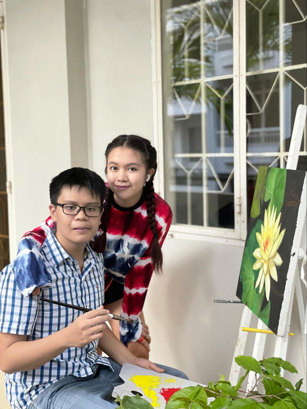 Cô bé Sandy và anh trai Ryan Nguyễn