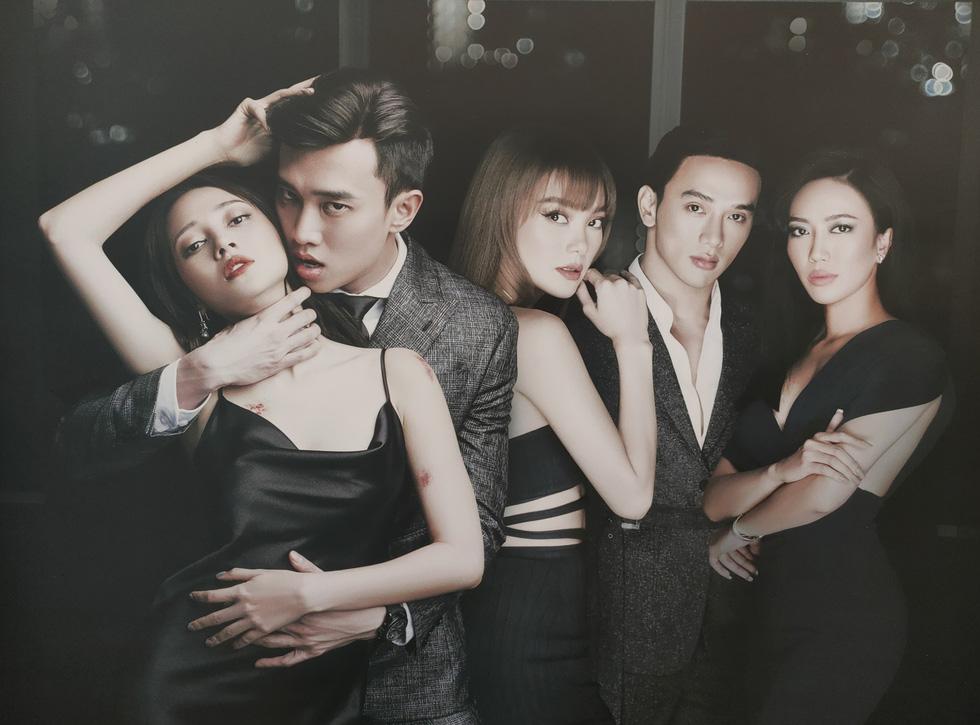 Dàn diễn viên trên phim Bẫy ngọt ngào (từ trái sang): Bảo Anh, Quốc Trường, Minh Hằng, Thuận Nguyễn, Diệu Nhi.