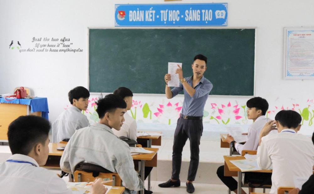 Một buổi lên lớp của thầy và trò Trường cao đẳng Cơ điện Phú Thọ