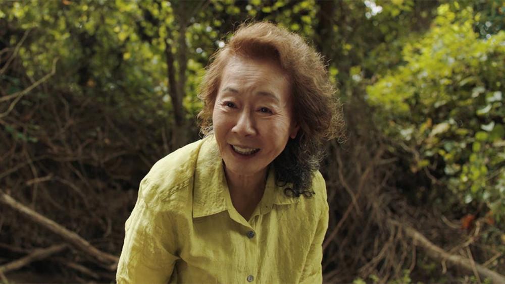 Diễn viên gạo cội người Hàn Quốc Yuh-Jung Youn tiếp tục thắng giải lớn tại quốc tế.