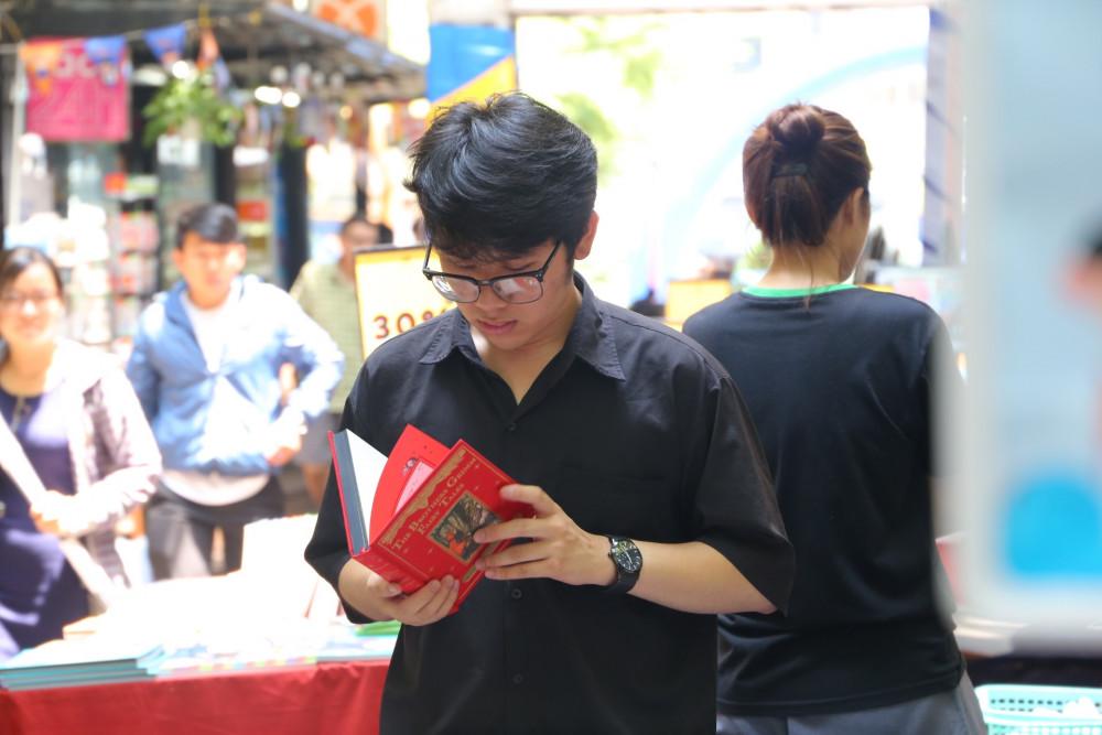 Nhiều hoạt động được tổ chức tại Đường Sách TPHCM trong tuần lễ mừng Ngày Sách Việt Nam lần 8.