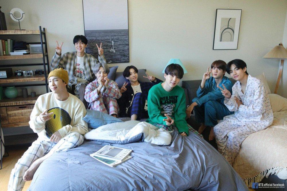 BTS chuẩn bị tái xuất đường đua âm nhạc.