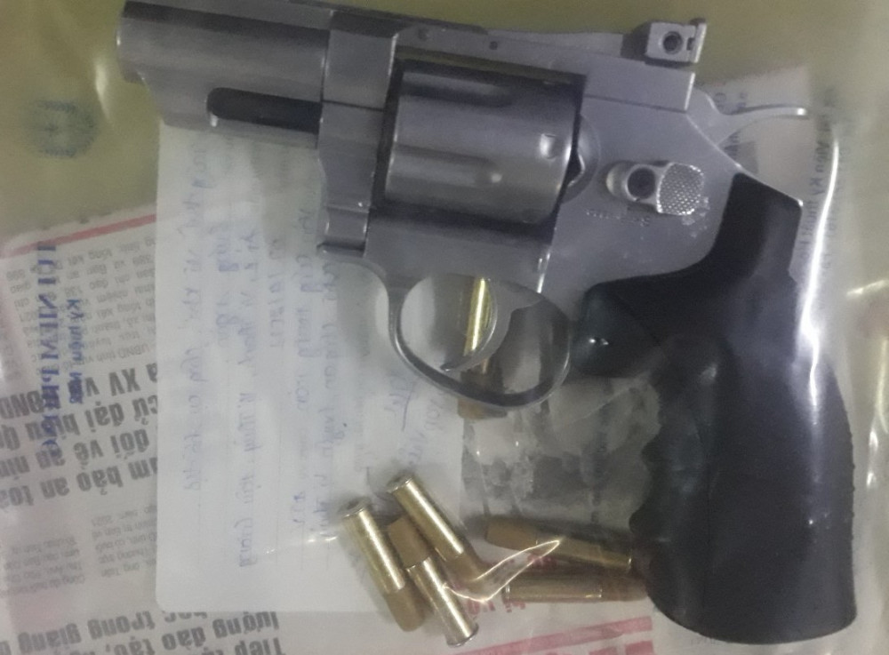 Khẩu súng nghi vũ khí quân dụng bị thu giữ