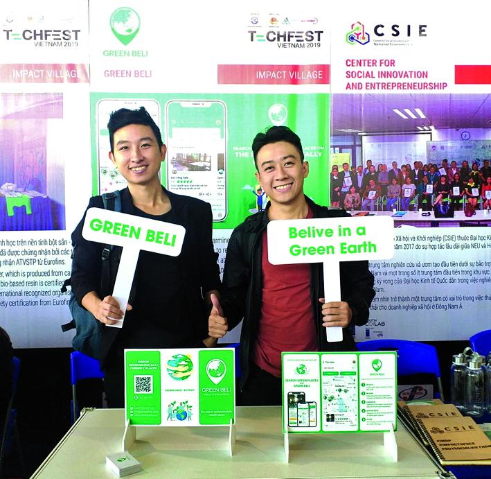 Minh Khoa (phải) và Đức Thắng (trái) trong một sự kiện giới thiệu về Green Beli