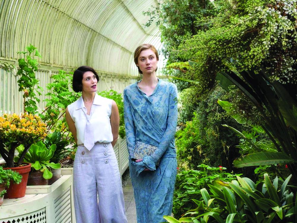 Mối tình thăng trầm giữa Woolf và Sackville-West được lột tả sống động trong Vita & Virginia,  tác phẩm màn bạc ra mắt năm 2018. Minh tinh người Úc Elizabeth Debicki (phải) thủ vai  cố nhà văn nổi tiếng - Ảnh: IMDB