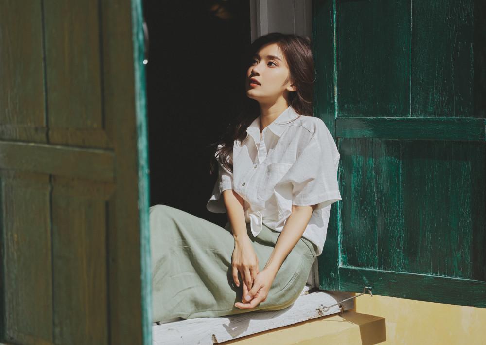 Hoàng Yến Chibi làm mới âm nhạc bằng cách kết hợp với rapper Tlinh trong sản phẩm mới.