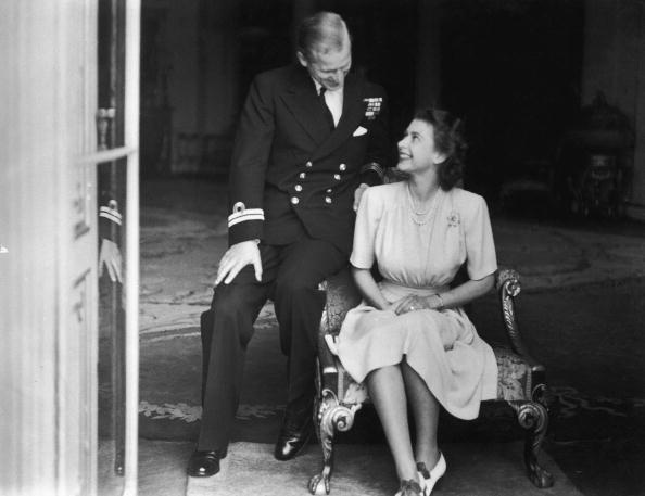 Bất chấp sự xứng đôi của cả hai, ban đầu có một số ý kiến phản đối về cuộc hôn nhân khi nhiều người cho rằng Philip là người quá thô lỗ, quá bóng bẩy không hợp để kết hôn với Công chúa Elizabeth. Nhưng Elizabeth vẫn kiên định và vượt qua dư luận để lấy Philip.