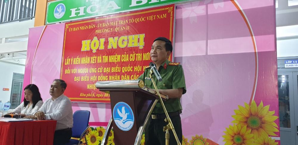 Đại tá Nguyễn Sỹ Quang phát biểu tại hội nghị.