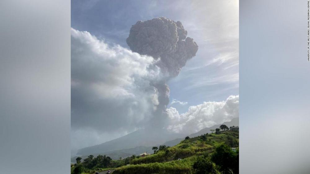Núi lửa La Soufriere phun trào lần 2, ngày 9/4.