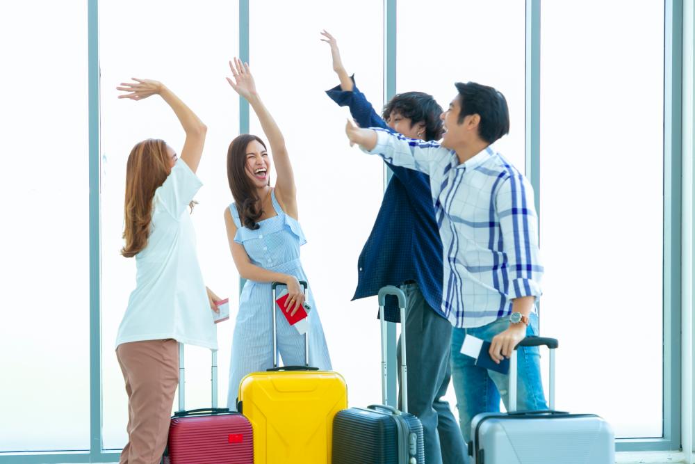 Mua vé rẻ từ hai hãng khác nhau giúp tiết kiệm chi phí, nhân đôi niềm vui. Ảnh: AirPay