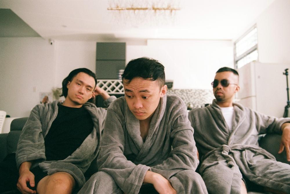 3 thành viên của Cá Hồi Hoang luôn có ý tưởng táo bạo khi thực hiện sản phẩm âm nhạc.