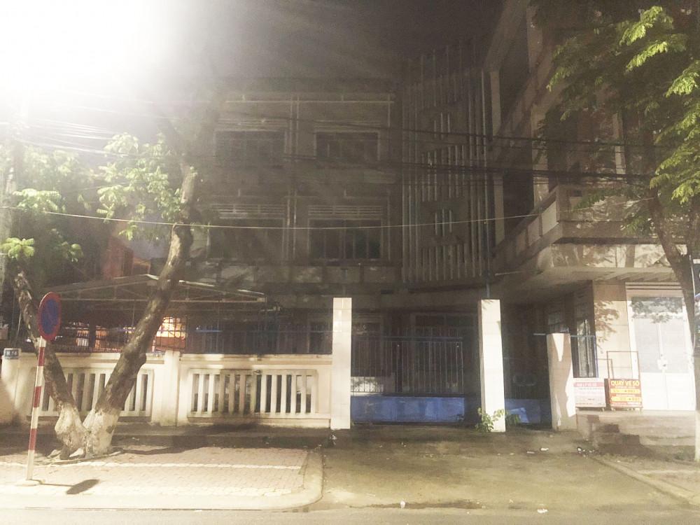 trụ sở Công ty TNHH MTV xổ số kiến thiết Quảng Ngãi trên đường Phan Đình Phùng với diện tích 407 m2 sẽ được bán đấu giá
