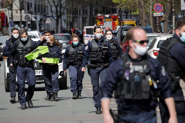 Cảnh sát có mặt tại hiện trường vụ xả súng.