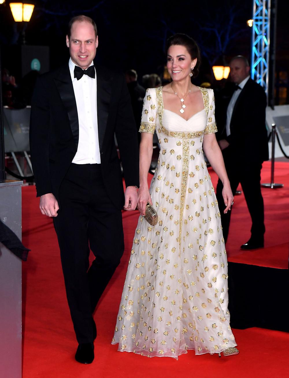 Là gương mặt khách mời quen thuộc và luôn thu hút sự chú ý của khán giả tại thảm đỏ Giải thưởng Điện ảnh Viện Hàn lâm Anh, hay còn gọi là BAFTAs, nhưng năm nay Hoàng tử William cùng với vợ là Nữ công tước xứ Cambridge Kate đành phải lỡ hẹn.