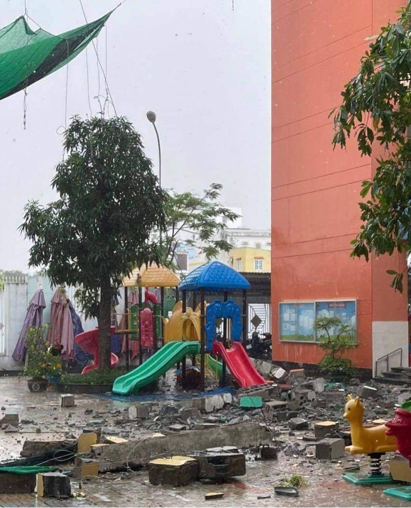 Sân trường sau sự cố     Ảnh: PHCC