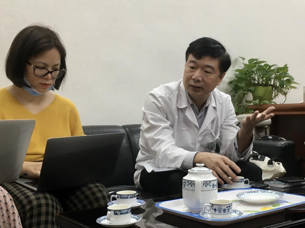 TS.BS Đỗ Văn Thành trả lời báo chí