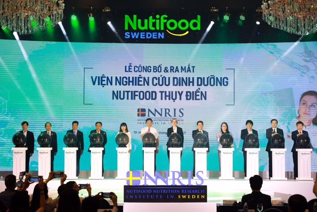 Nghi lễ công bố và ra mắt Viện nghiên cứu dinh dưỡng Nutifood Thuỵ Điển. Ảnh: Nutifood