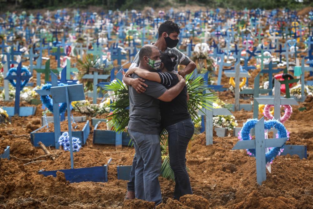 SỐ ca tử vong vì COVID-19 ở Brazil hiện đứng thứ ba thế giới, sau Mỹ và Ấn Độ