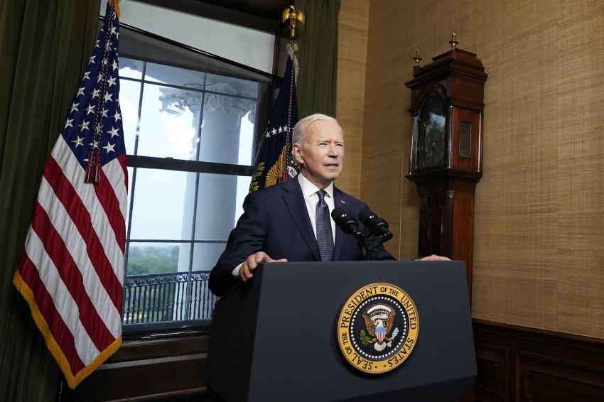 Tổng thống Joe Biden phát biểu từ Phòng Hiệp ước ở Nhà Trắng hôm thứ Tư về việc rút phần còn lại của quân đội Mỹ khỏi Afghanistan.