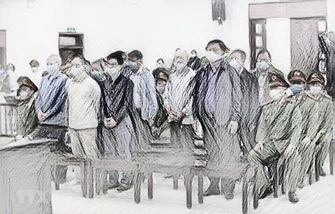 Các bị cáo vụ Ethanol Phú Thọ tại phiên tòa sơ thẩm - Ảnh: TTXVN