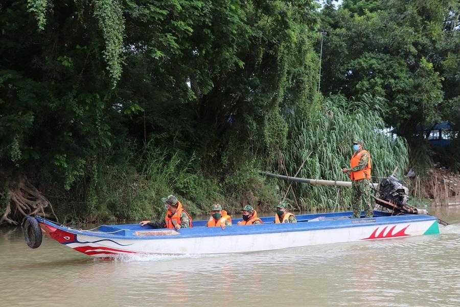 An Giang có đường biên giới dài gần 100 km, tiếp giáp với tỉnh Kandal và gần với Thủ đô Phnom Pênh