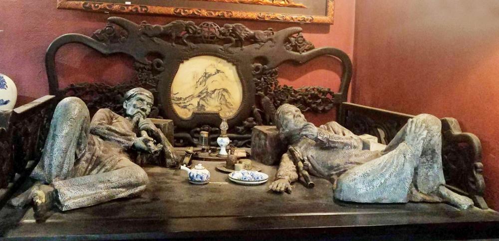 Một số hình ảnh, hiện vật được trưng bày trong Bảo tàng Ma túy