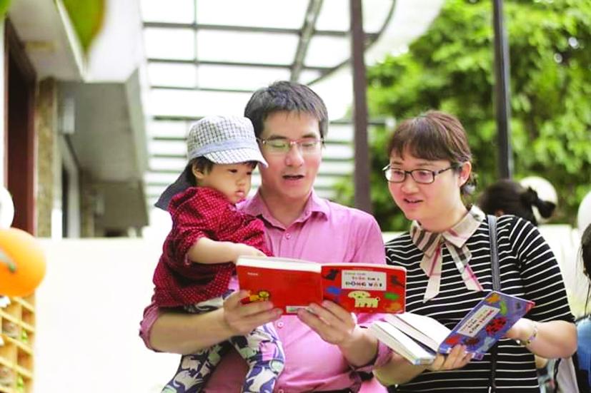 Khuyến đọc ngay từ gia đình,  Nguyễn Quốc Vương nói, nếu bố mẹ đọc sách,  tự nhiên, con cái cũng ảnh hưởng theo