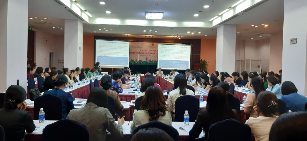 Hội thảo thu hút 108 đại biểu, trong đó đa phần là nữ ứng cử viên đại biểu Quốc Hội các tỉnh phía Nam