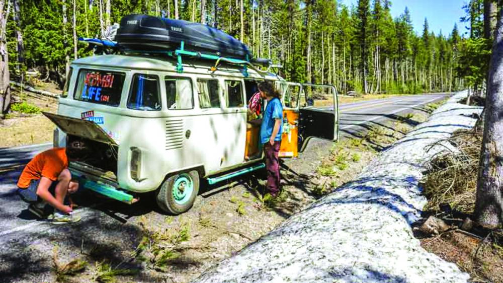 Cuộc sống trên xe van không chỉ toàn màu hồng - Ảnh: KOMBI LIFE