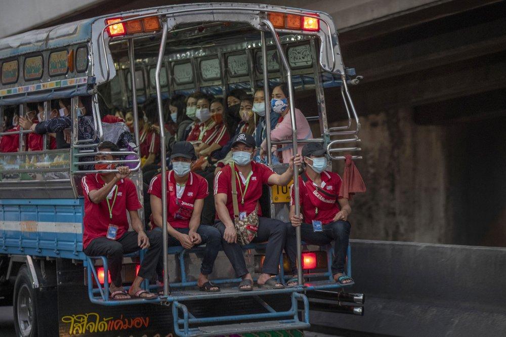 Nhiều lao động trở lại Bangkok tìm việc làm sau nới lỏng hạn chế