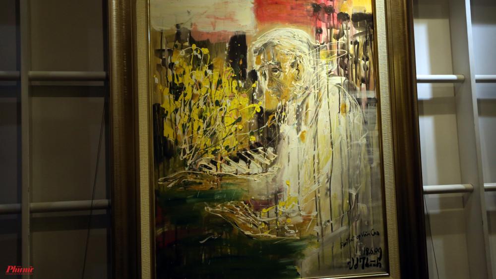 Bức tranh bà vẽ nhạc sĩ Văn Cao.