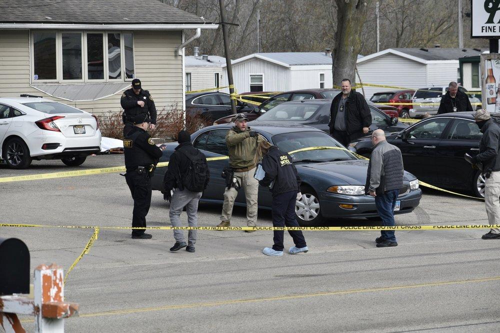 Hiện trường vụ xả súng đang được cảnh sát phong tỏa đề điều tra làm rõ sự việc..