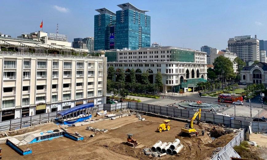 Theo Ban quản lý đường sắt đô thị TPHCM, đoạn từ đường Nguyễn Huệ đến đường Pasteur