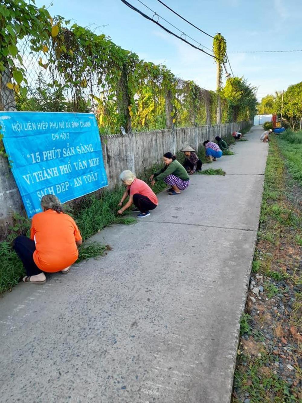 """Từ cuộc vận động xây dựng gia đình """"5 không, 3 sạch"""" đã có hơn 55.000km đường hoa, cây xanh được các cấp Hội thực hiện"""
