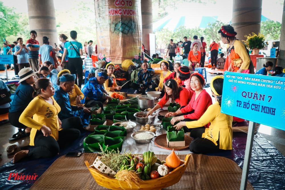 Trong tâm thức của người Việt Nam, chiếc bánh Chưng không chỉ đơn thuần là món ăn mà còn trở thành nét đẹp của con người việt nam, gắn liền với truyền thuyết dân tộc lâu đời và mang nhiều ý nghĩa sâu xa