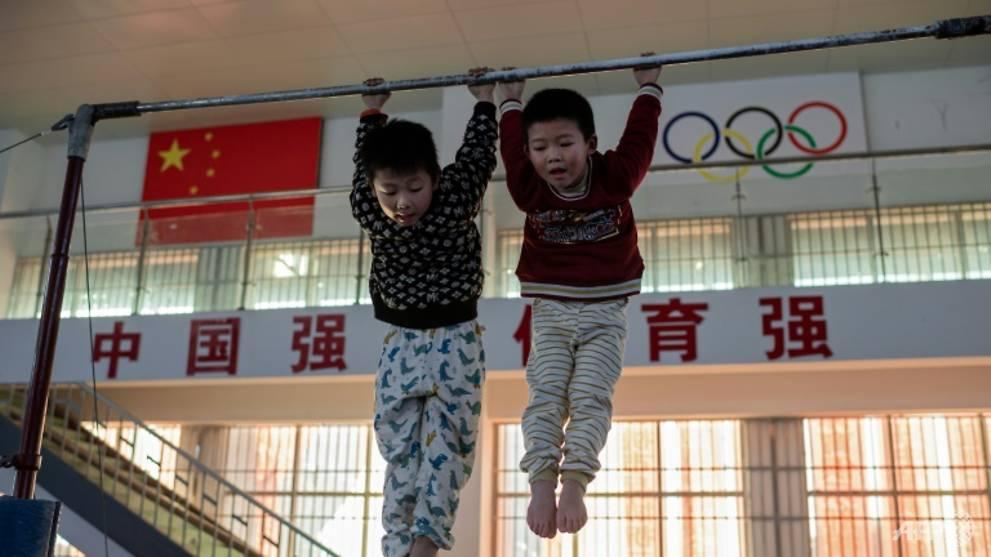 Những em bé đang tập luyện với mong đợi sẽ trở thành vận động viên đỉnh cao trong tương lai - Ảnh: Nicolas Asfouri