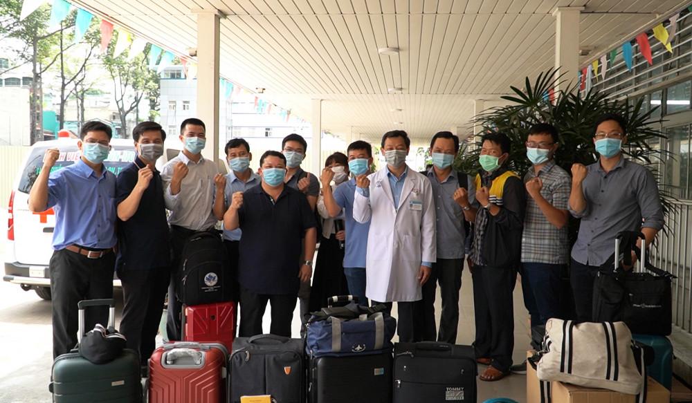 Đoàn bác sĩ trước giờ lên đường đến Kiên Giang, ảnh BVCC