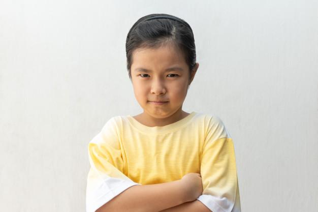Nhiều đứa trẻ không quan tâm tới suy nghĩ và cảm xúc của người khác - Ảnh minh họa