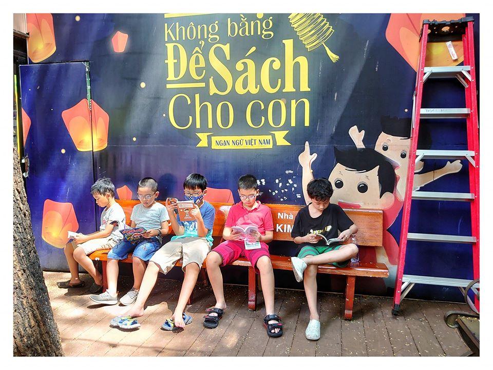 Bạn đọc nhỏ tuổi có nhiều cơ hội tương tác, trải nghiệm với sách tại Hội sách xuyên Việt